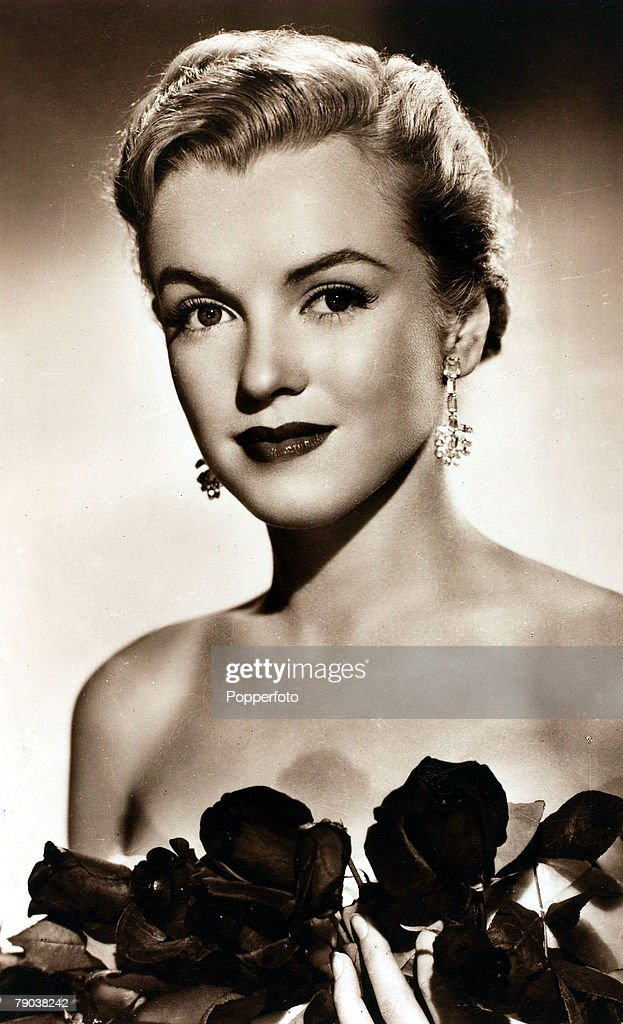 """Cinema. Personalities. circa 1950's. American actress Marilyn Monroe, portrait, glamorous and with a """"sexpot image"""" she starred in """"Gentlemen Prefer Blondes"""" 1953, and """"The Seven Year Itch"""" 1955. : News Photo"""