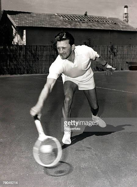 Cinema Personalities, pic: 18th April 1953, American film actor Kirk Douglas pictured playing tennis in Cannes, South of France