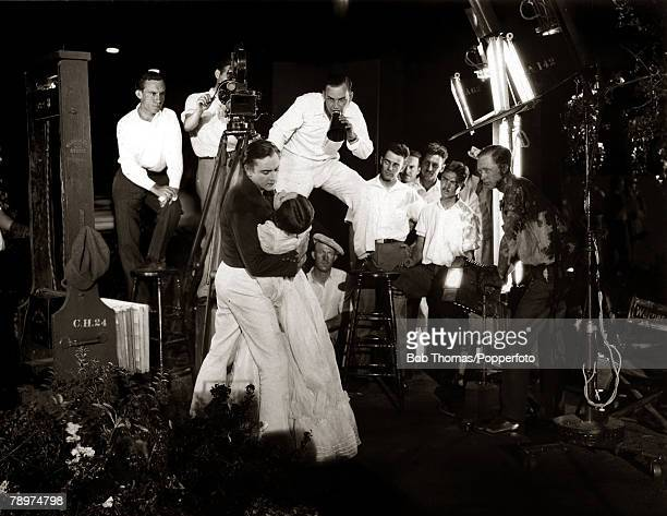 1926 Actors John Barrymore and Dolores Costello play a love scene on the set of The Sea Beast