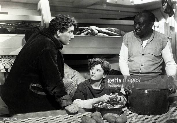 1937 The filming of Captain Courageous shows Freddie Bartholomew centre with Spencer Tracy left in a scene Freddie Bartholomew born in Dublinwas to...