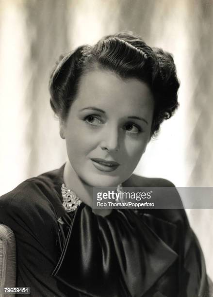 1949 American actress Mary Astor portrait