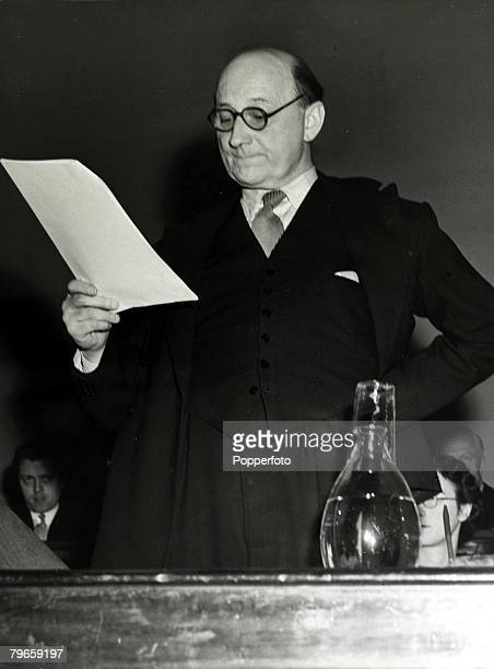 Cinema Personalities, pic: 27th May 1951, British actor Felix Aylmer, speaking as President of the Actor's Equity at the Association's Annual General...