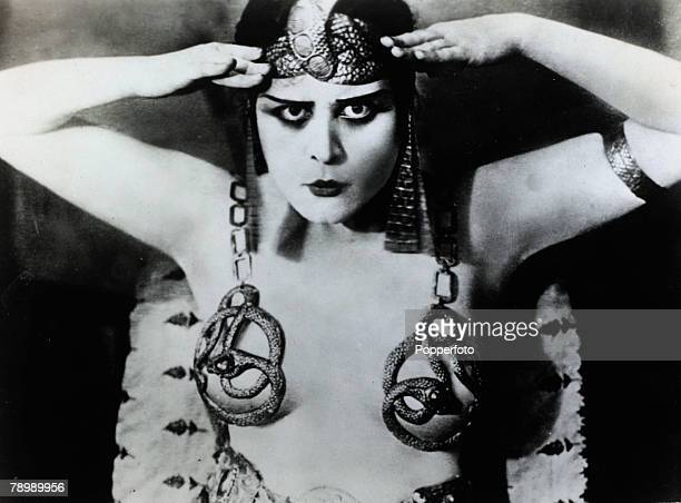 circa 1917 American actress Theda Bara appearing in the title role in the 1917 film Cleopatra
