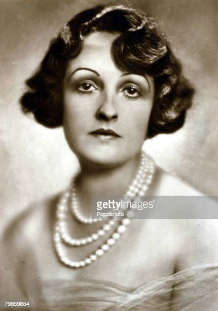 circa 1920's Fern Andra American born actress who made silent films in Germany and became a Baroness when she married Baron Friedrich Welchs