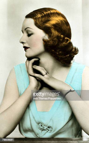 circa 1940 English actress Elizabeth Allan