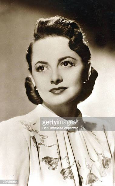 circa 1940's Olivia De Havilland actress born in Tokyo in 1916 the daughter of a British patent attorney she found fame in the classic 1939 film...
