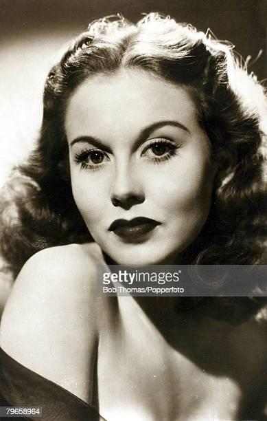 circa 1950's English actress Hazel Court born 1926