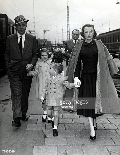 15th June 1956 Munich American actress June Allyson born 1917 with her husband Dick Powell and their 2 children June Allyson especially popular in...