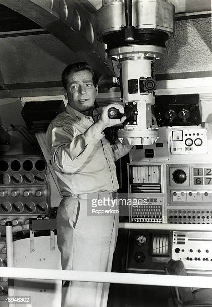 circa 1964 American actor Richard Basehart pictured making the TV series 'Voyage To The Bottom Of The Sea'