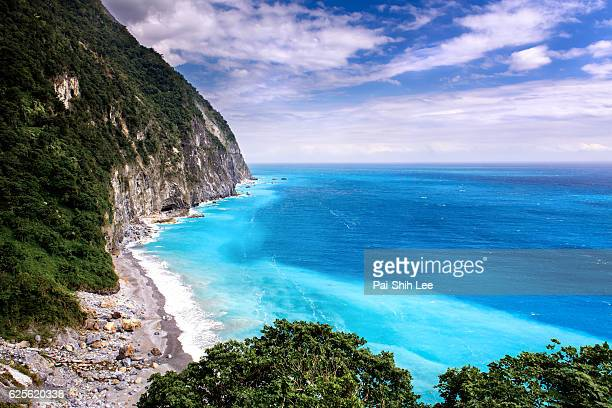 cingshui cliffs at hualien, taiwan - hualien county stock pictures, royalty-free photos & images