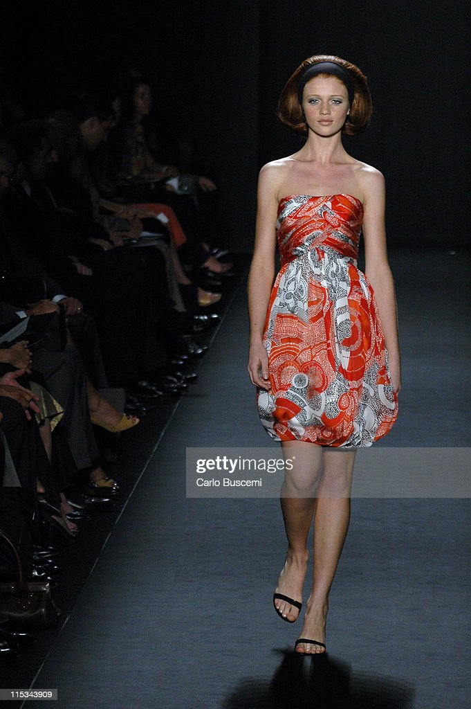 Olympus Fashion Week Spring 2006 - Carmen Marc Valvo - Runway
