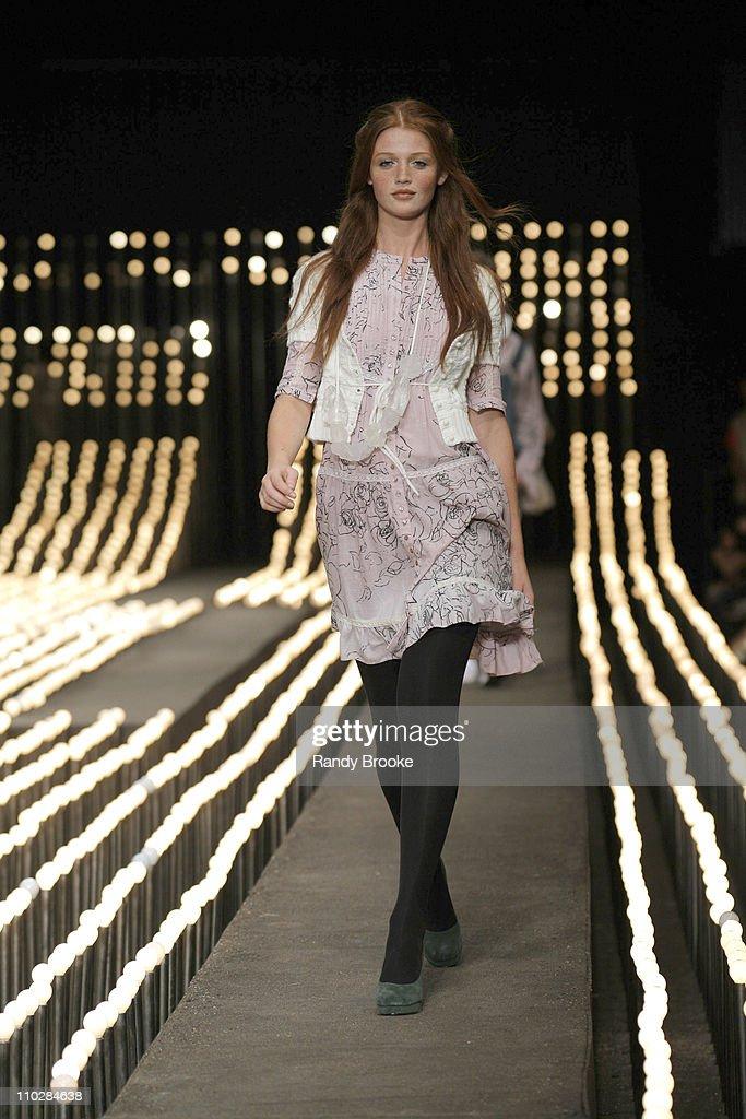 Fashion Rio Fall/Winter 2006 - Colcci - Runway
