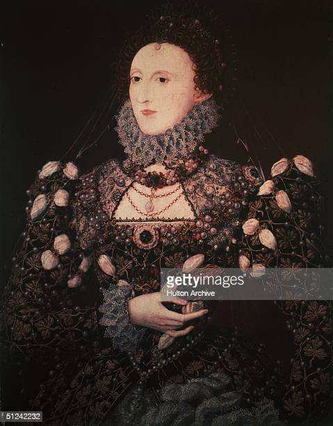 Circa 1565 Queen Elizabeth I in elaborately jewelled dress and ruff collar