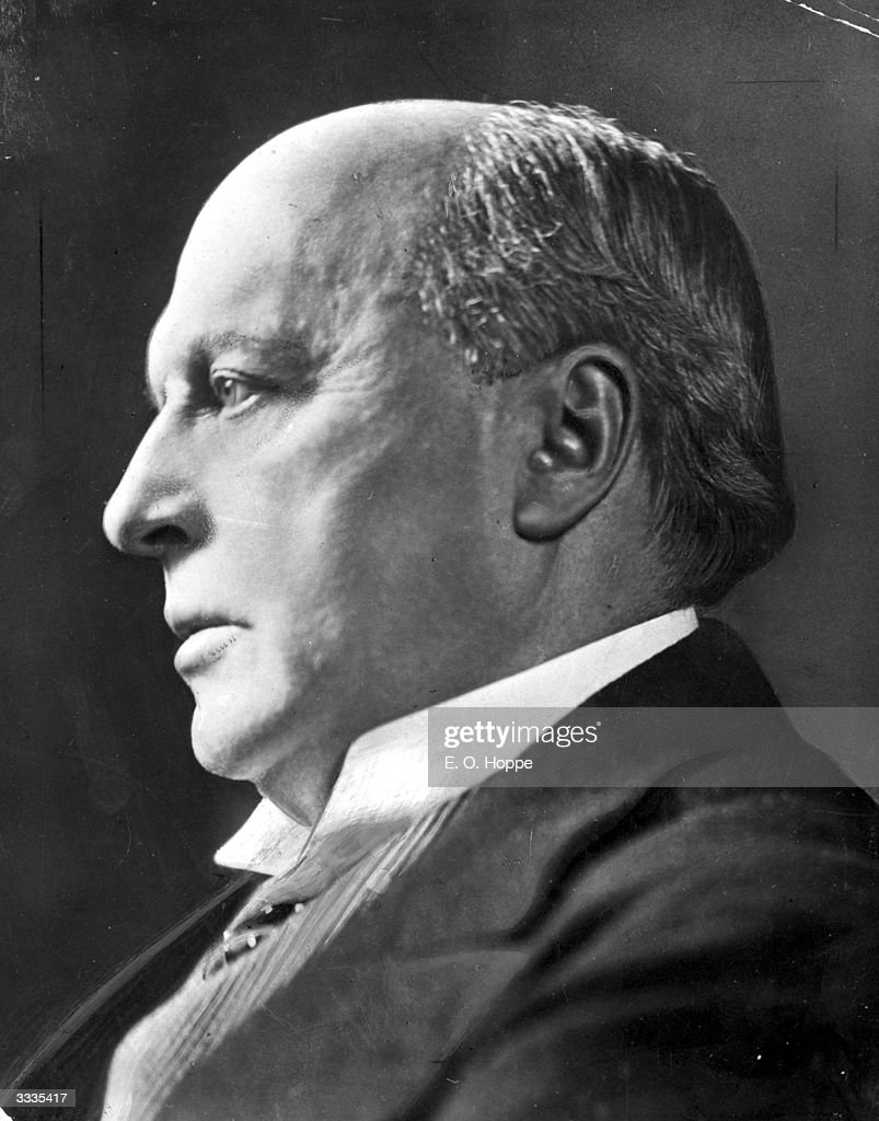 American writer Henry James (1843 - 1916). James' writing is seen as a precursor to Modernist writing.