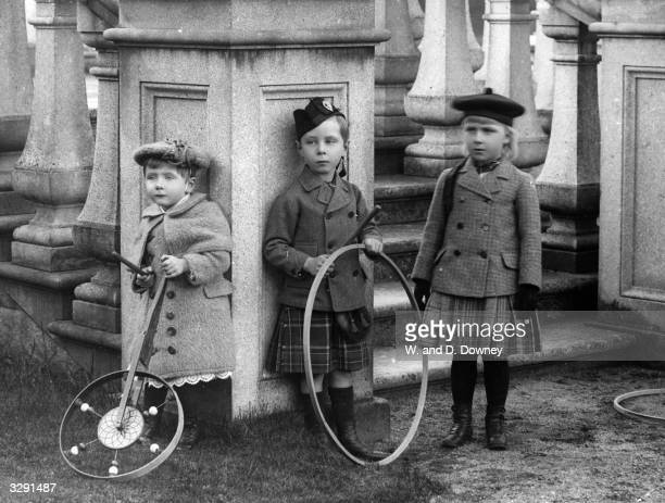 The children of Princess Beatrice and Prince Henry of Battenberg From left Princess Victoria Eugenie the future Queen of Spain Prince Leopold and...