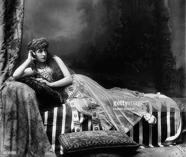 Actress Lillie Langtry as Cleopatra