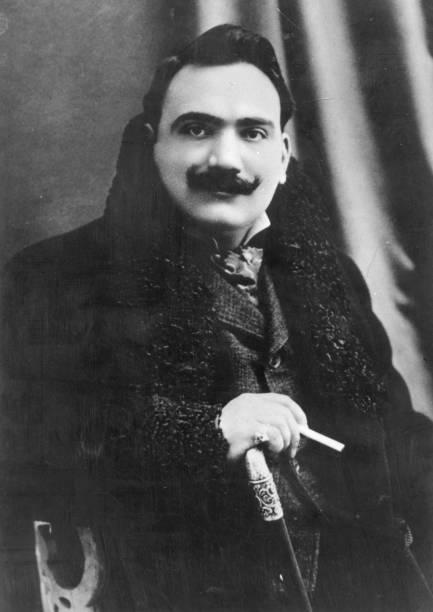 Italian dramatic tenor Enrico Caruso .