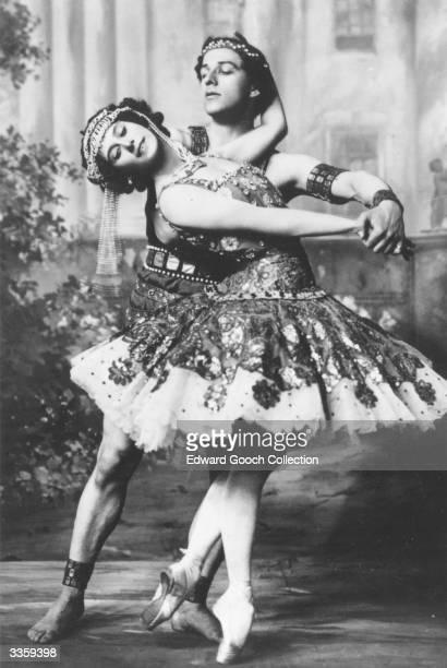 Russian ballet stars Anna Pavlova and Mikhail Mordkin