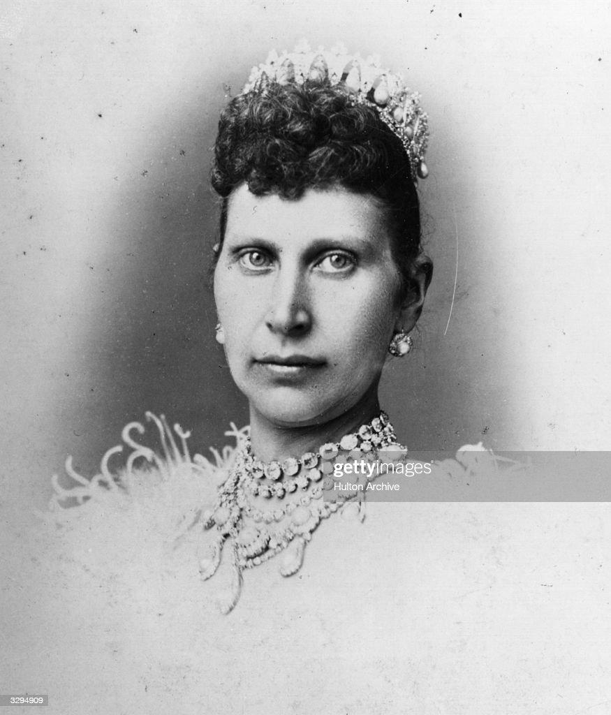 Queen Louise : News Photo