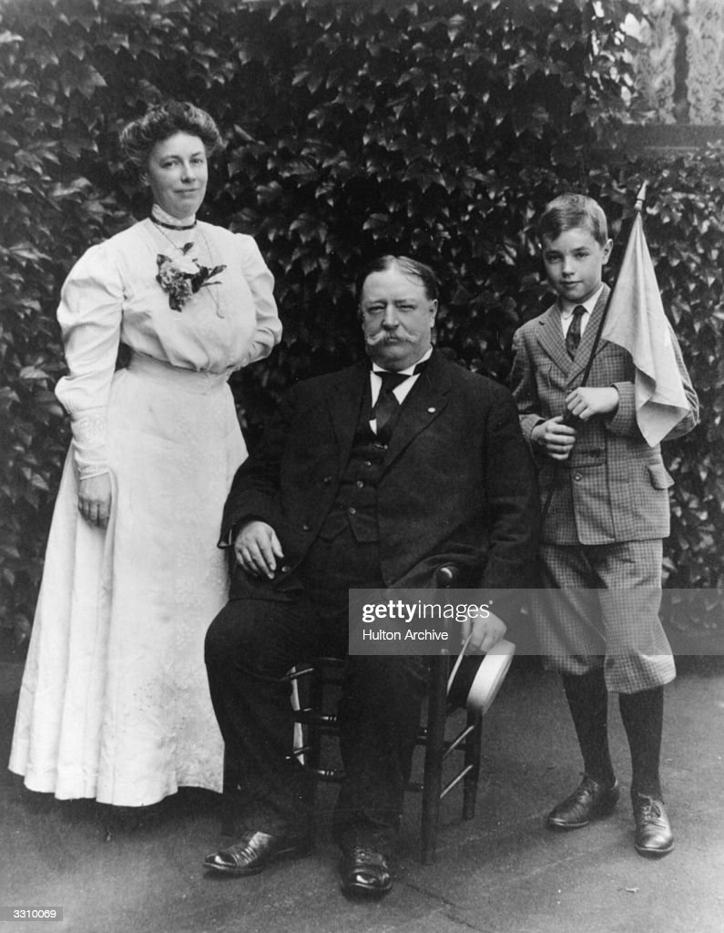 Taft And Wife : News Photo