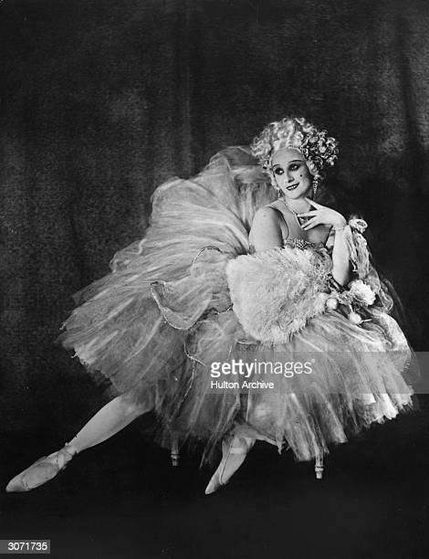 Ballerina Anna Pavlova in costume for the ballet 'Rondino'