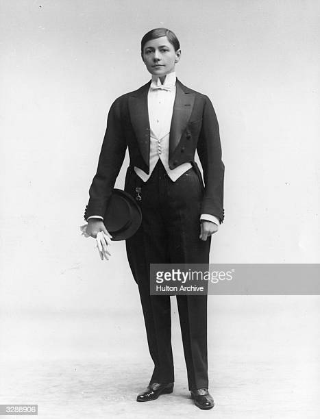 Music hall artiste Ella Shields in costume as a young man about town