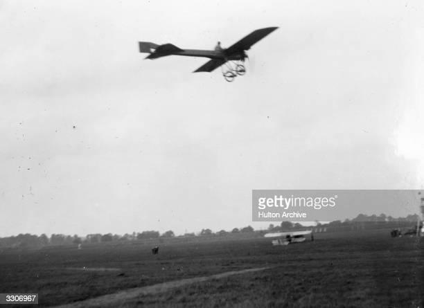Deperdussin's monoplane in flight
