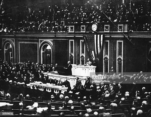 American President Woodrow Wilson as the 28th President and only the 2nd Democratic President since 1861 speaking to Congress