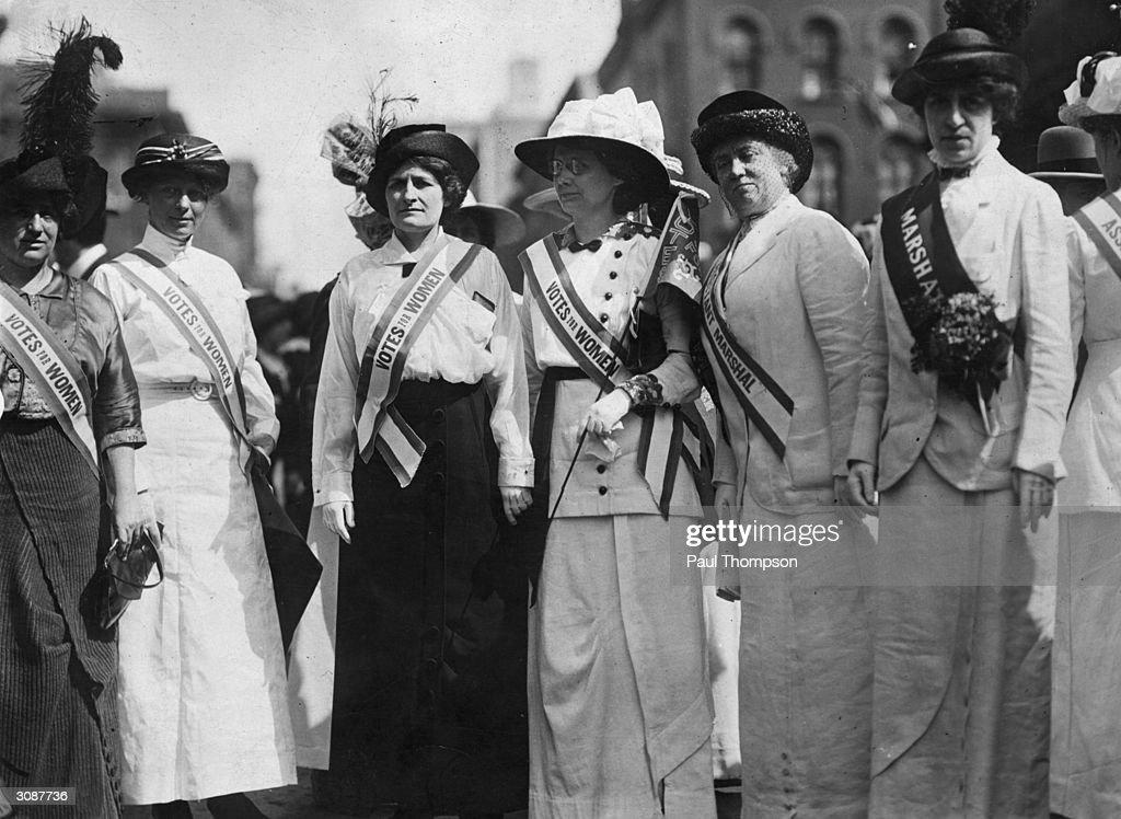 Literary Suffragettes : News Photo