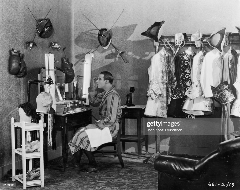 Rudolph Valentino (1895 - 1926), born Rodolpho d'Antonguolla, on the set of his film 'Monsieur Beaucaire'.