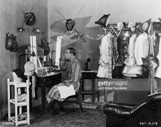 Rudolph Valentino born Rodolpho d'Antonguolla on the set of his film 'Monsieur Beaucaire'