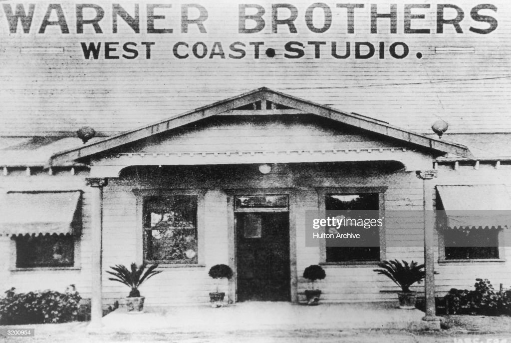 Warner Bros Studio : News Photo