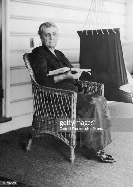 Jane Addams American social reformer feminist and cowinner of the Nobel Peace Prize in 1931 She founded the social settlement 'Hull House' in Chicago...