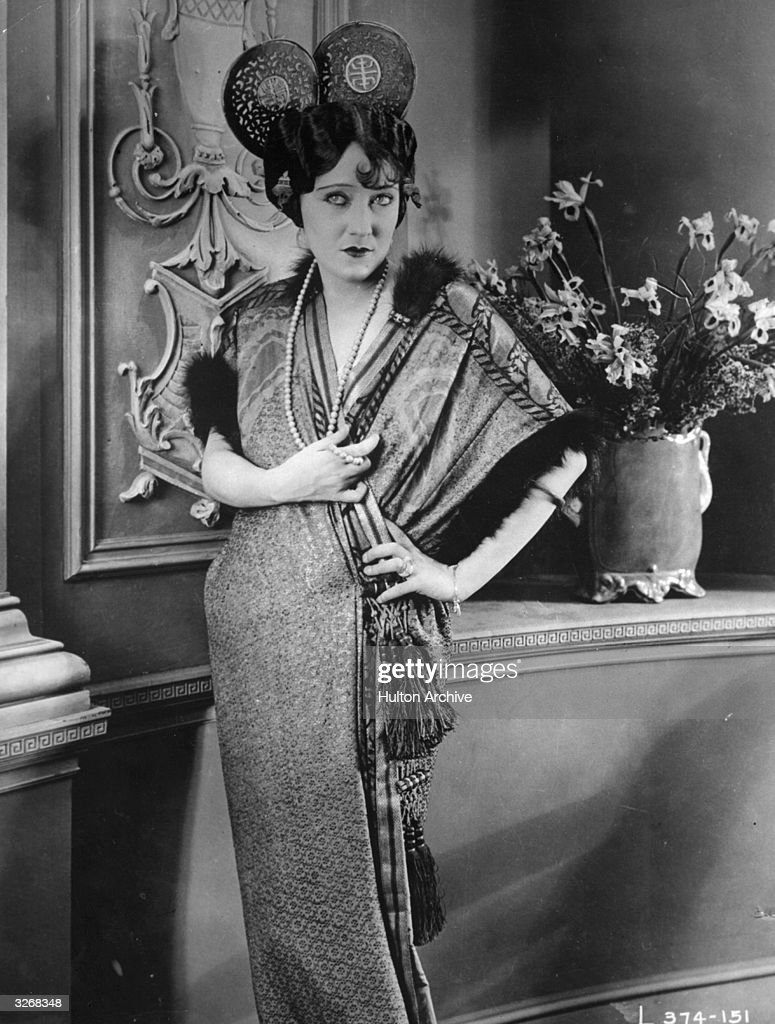 Gloria Swanson (1897 - 1983) formerly Svensson, the American leading lady who began her career as a Mack Sennett bathing beauty.