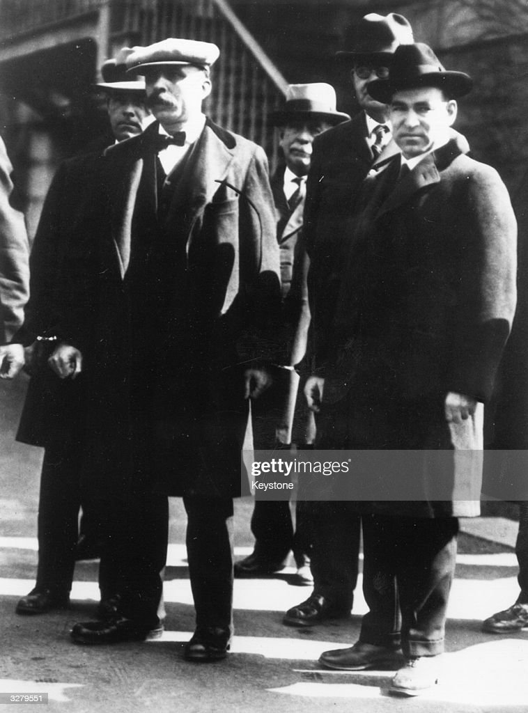 the history of the italian anarchists sacco and vanzetti In anarchism: anarchism in the americasitalian anarchists, nicola sacco and bartolomeo vanzetti, were convicted of killing a payroll clerk and a guard during a.