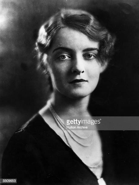 Actress Bette Davis having been selected by John Murray Anderson the leading American theatrical producer to play the modern Venus