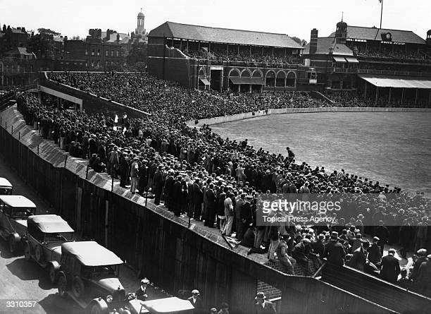 The enormous crowd which watched Sutcliffe and Hobbs open for England at the test between England and South Africa at the Oval.