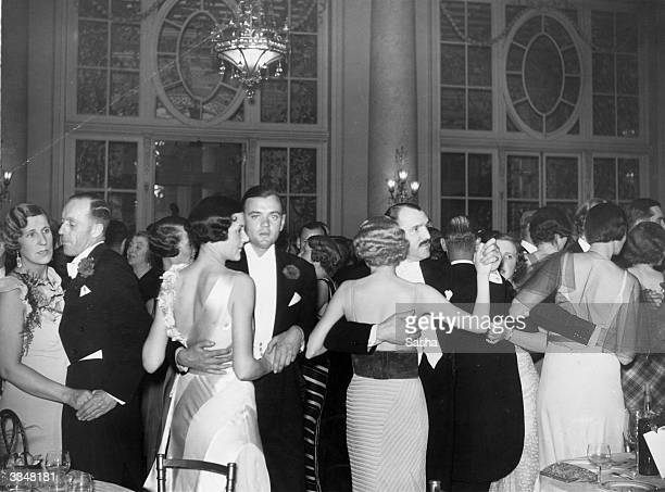 Couples on the dance floor of the Carlton Hotel in London