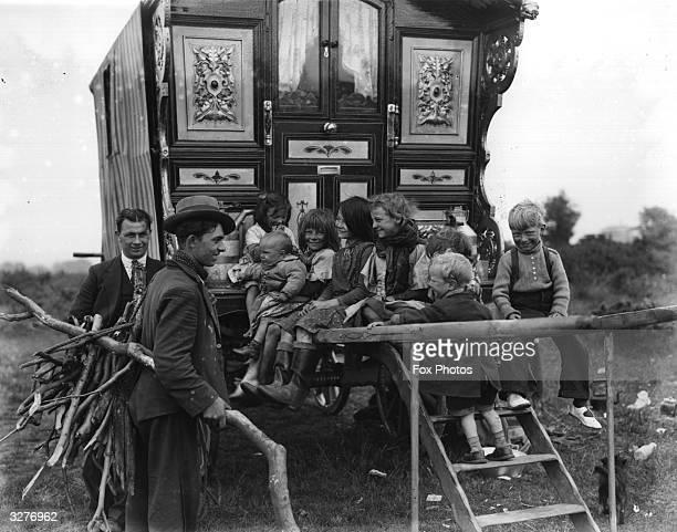 Gypsy children around their caravan
