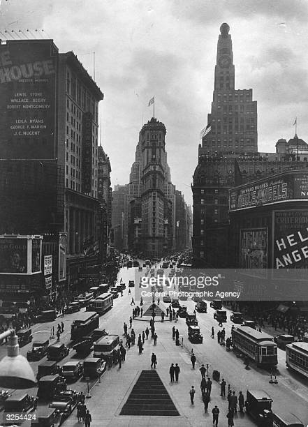 Looking towards the Times Building on Times Square, the Paramount Building is on the right, and Seventh Avenue on the left crossing Broadway.