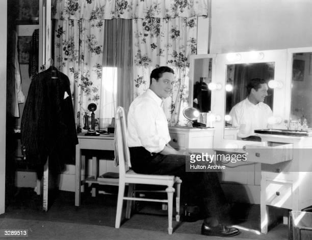 Fox Films actor Edmund Lowe in his dressing room