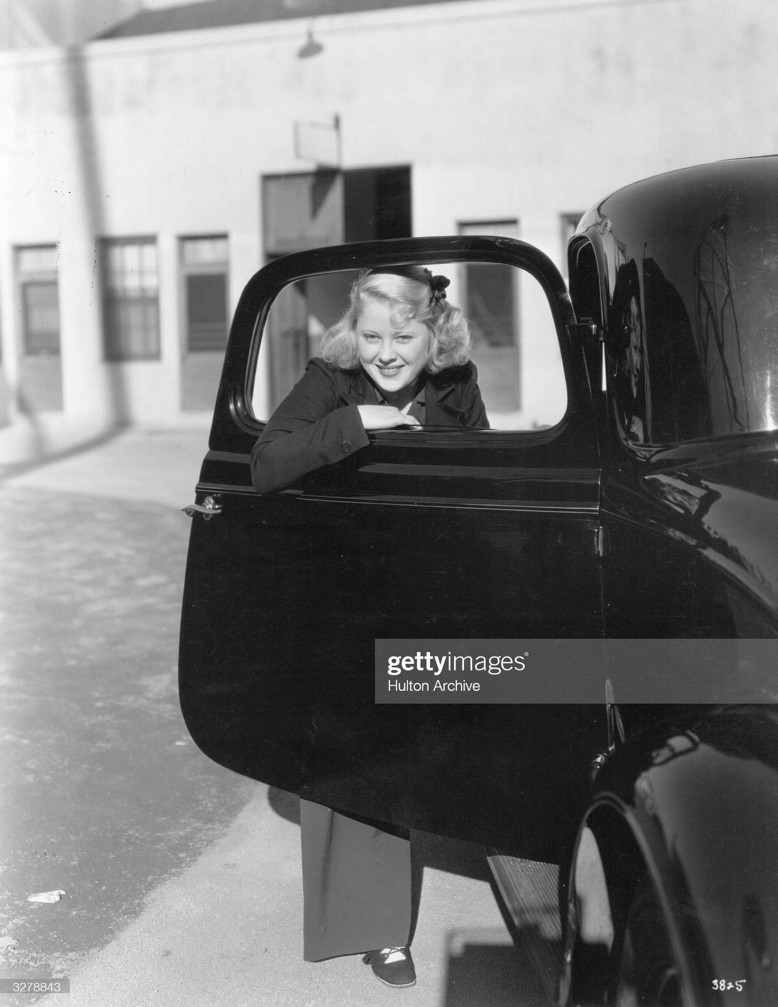 Mary Carlisle : News Photo