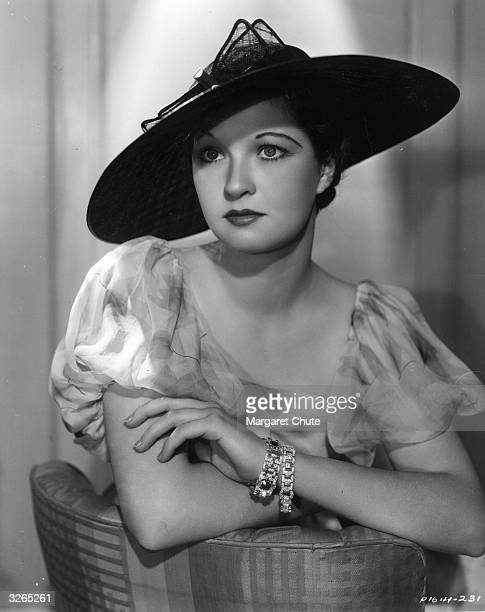 Evelyn Venable the American leading lady who was the original model for the woman holding a lamp on the Columbia Pictures 'logo' She is viewed...