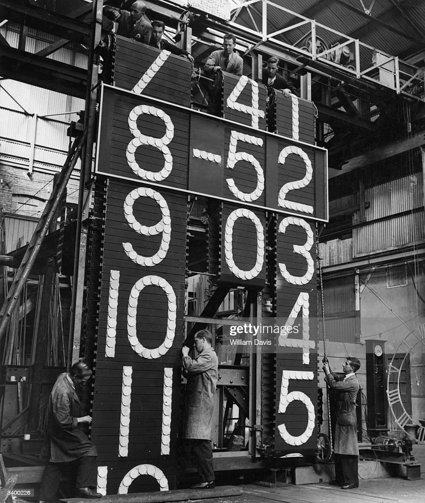 Station Clock : News Photo