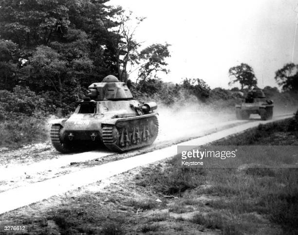 French Hotchkiss light tanks during the German invasion