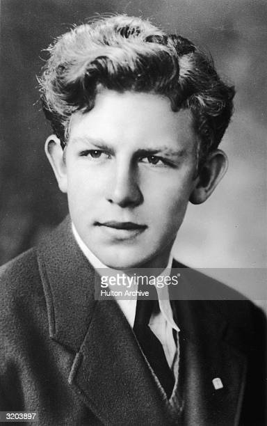 Headshot portrait of American actor Andy Griffith as a young man.