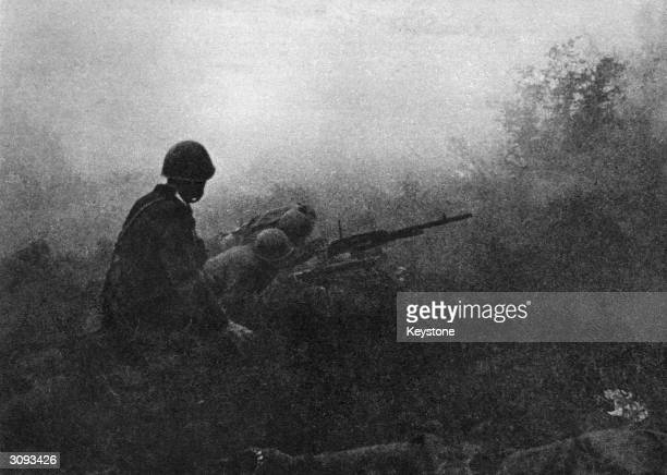 Crack Italian troops invade Yugoslavia during World War II and come up against the local guerrilla fighters.