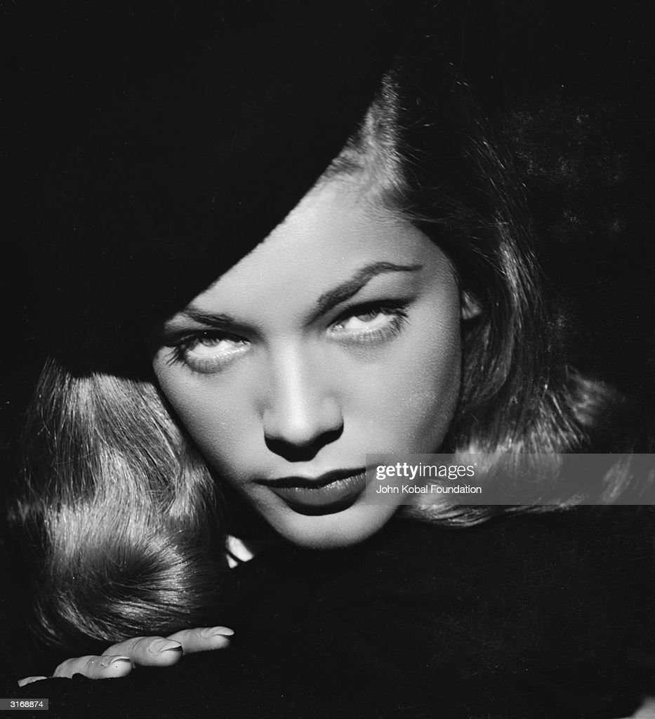 Beautiful And Dangerous - Femme Fatales Of Film Noir