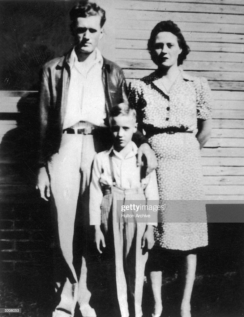 The young Elvis Presley made his first public appearance in a talent contest at the age of 10 on 3 October 1945. He only came came 5th.