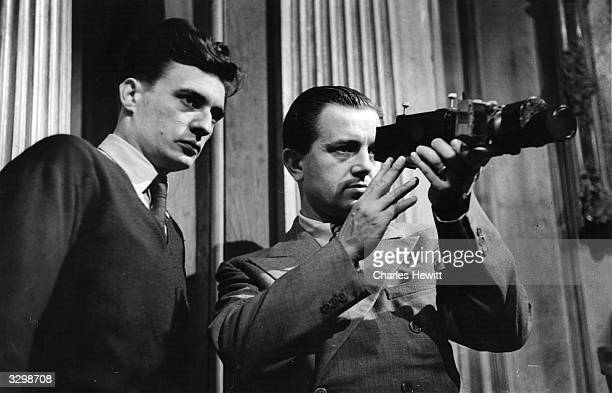 Canadian director Edward Dmytryk, who was forced into exile during the McCarthy witch-hunt tries to get the correct camera angle and distance for a...
